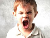 Kızgın ve Agresif Çocukları Sakinleştiren Anneler